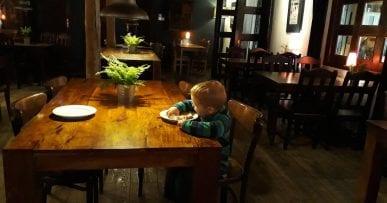 KRAKOV Kolanko Restauracia
