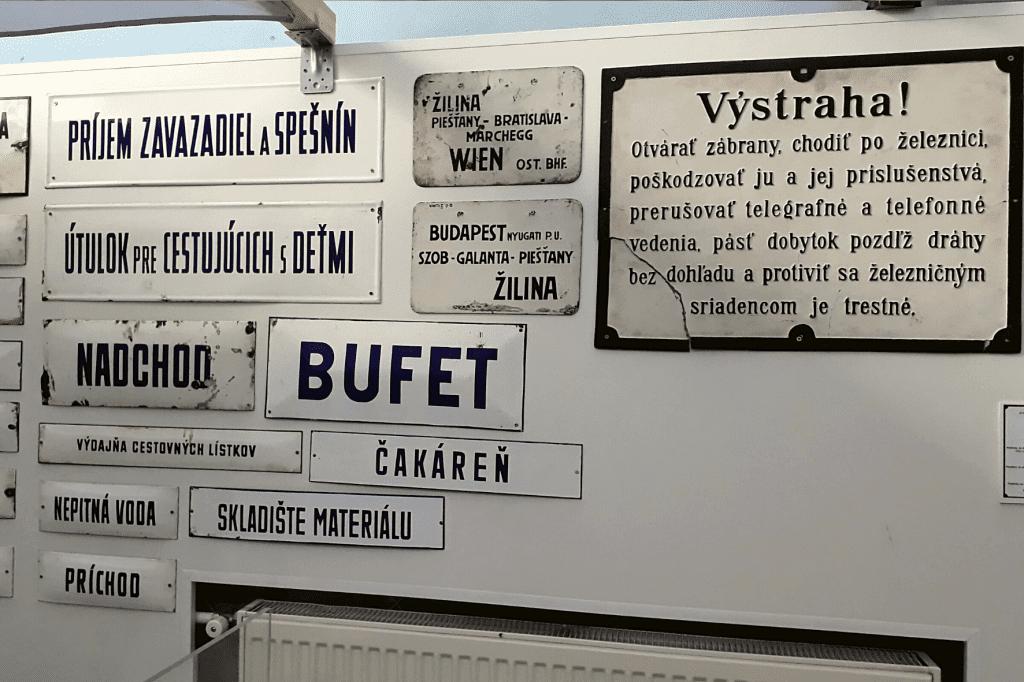 Rajecké Teplice Múzeum dopravy tabuľky