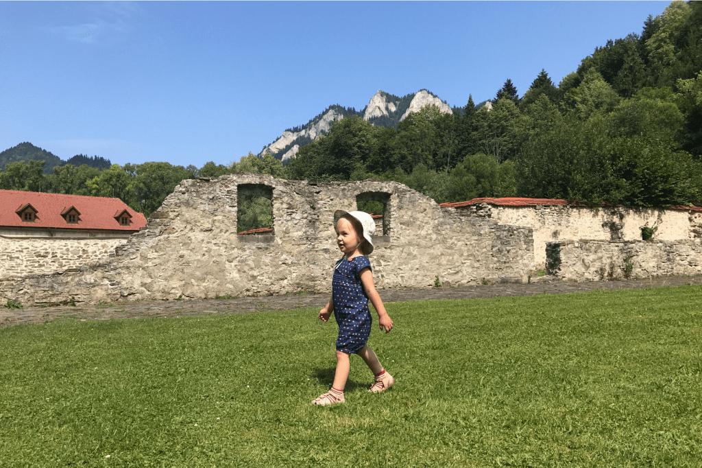 Červený kláštor pozostatky domov