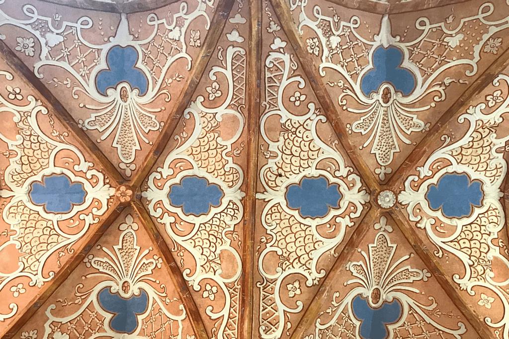 Červený kláštor strop