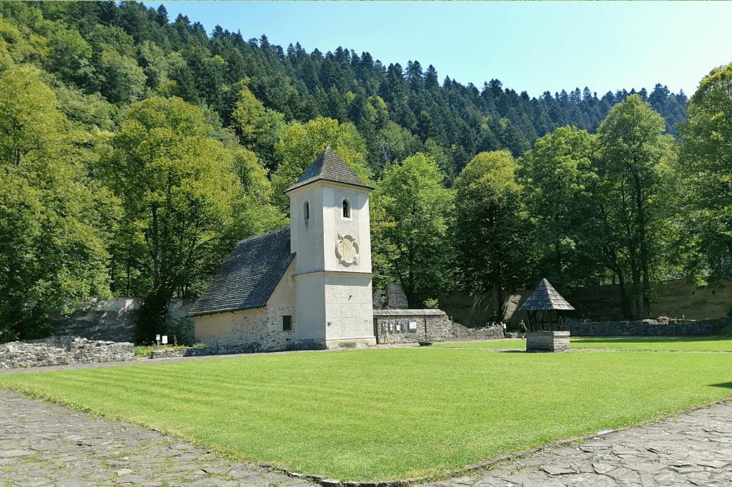 Červený kláštor veža