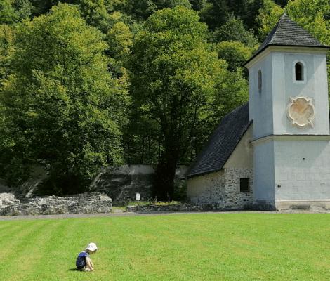 MV Náhľadový obrázok Červený kláštor